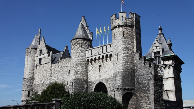 Замки Бельгия
