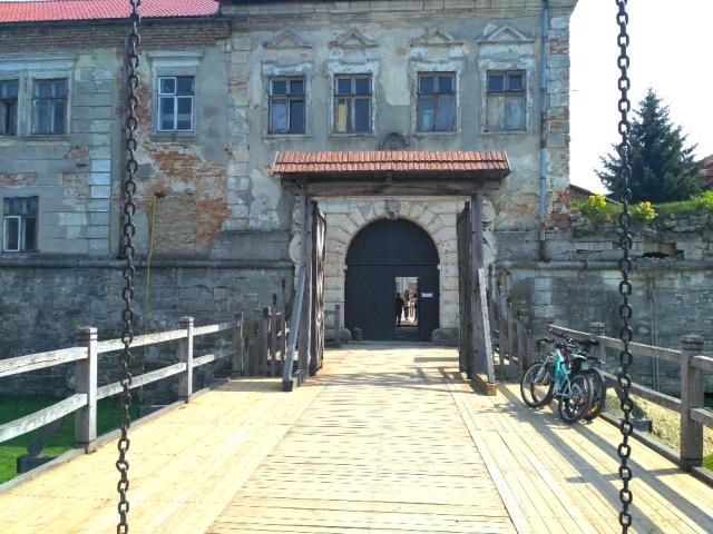 Велотуры Золочевский замок